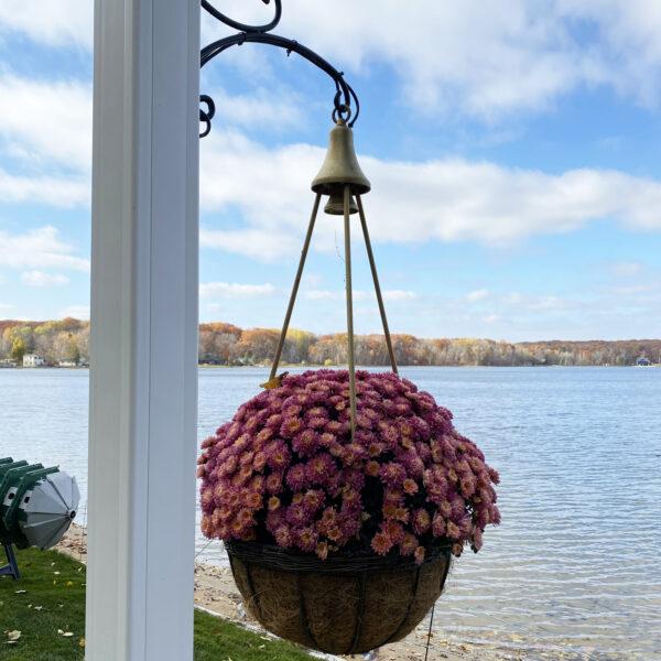 i3 Lighted Hanging Basket